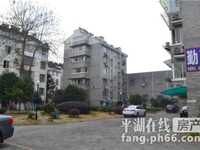 百花西村 3楼车库11平方 全装修有钥匙15968371158 或 791158