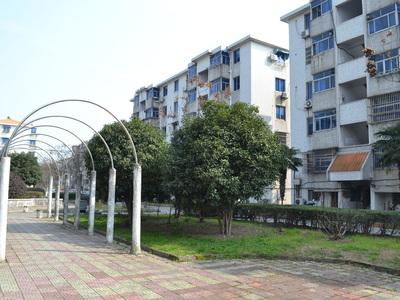 滨湖新村,车库17平方,实验小学,东湖中学,有钥匙