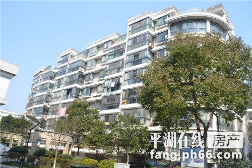东湖明珠市中心装修70万143平方四室有车位218万急急售710906