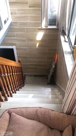 出售:金色港湾多层洋房1楼,103平地下室60平,带车位,满两年,开价209万