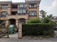 尚锦花园别墅超级豪华装修,送超大花园,采光好,房东在外地发展,特价出售。