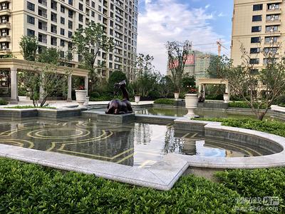 a中梁东湖一号院,2楼,92平,全新毛坯,送车位,3房2卫,157万,有钥匙