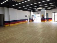 转让出租平湖吾悦皇后大道三楼写字楼220平方米可舞蹈房健身房