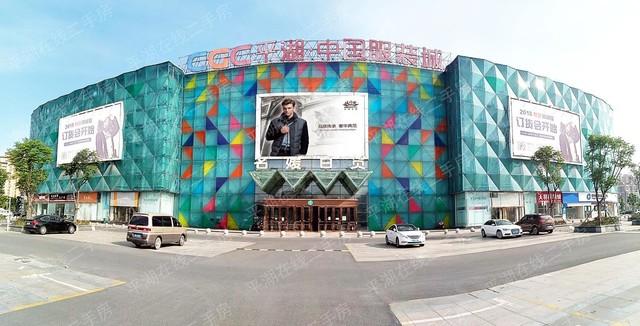 中国服装城2楼32平方主通道位置年租20万,开价169.8万