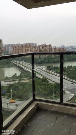 东边套万科盛唐景苑19楼大阳台景观房精装修中央空调带车位