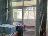 花园东区 车库14平已经打通做成房间 现代装修带家电 随时可以看房