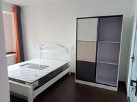 出租泛华 东福城可短租1室1厅1卫58平米1700元/月住宅